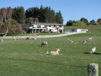 Double Bridges Farmstay